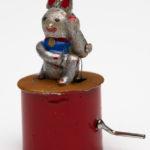 miniature mechanical lucky cat